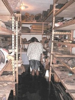 Intervention après de l'inondation du musée de Libreville au Gabon